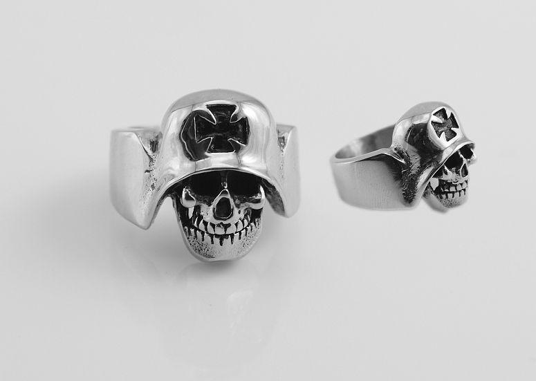SteelArt316L.Ocelový prsten, lebka v přilbě OCPRST210027