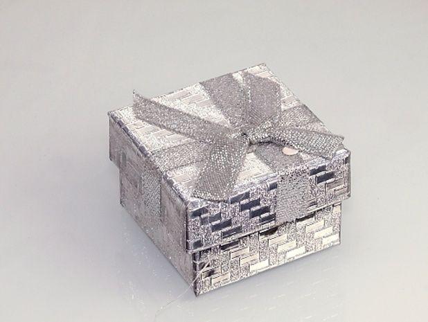 Krabička na šperky Stříbrná barva.