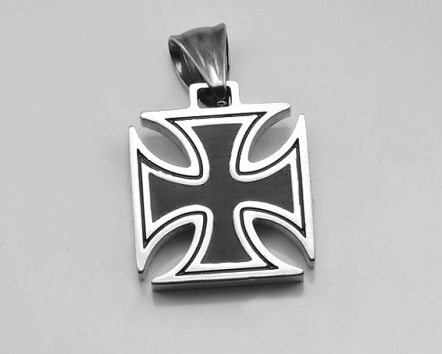 Ocelový přívěsek Válečný kříž.