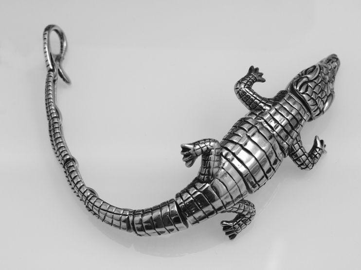 1. Ocelový náramek krokodýl.