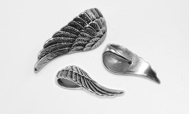 Ocelový přívěsek Andělské křídlo