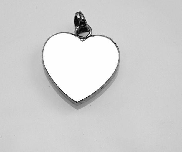 1. Romantický ocelový přívěsek Srdíčko 01