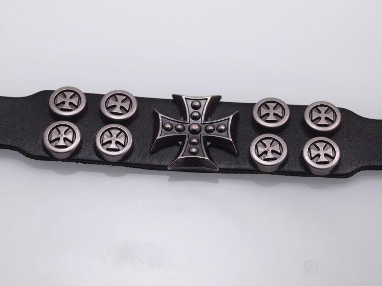 1. Kožený náramek Maltézský kříž
