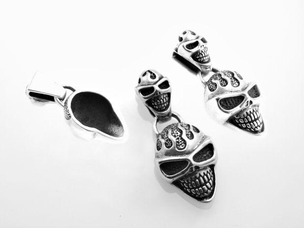 Stříbrný přívěsek Lebka No.03