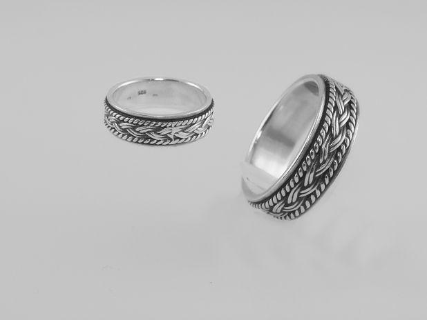 Stříbrný prsten Agprst051