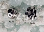 Navlékací korálek Panda No. K04