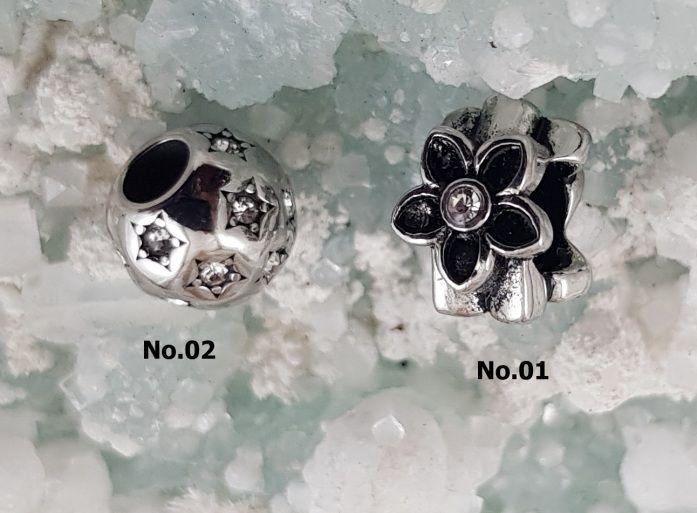 Korálek z chirugické oceli Panda No. K04