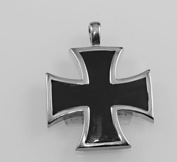 Přívěsek z chirugické oceli Válečný kříž