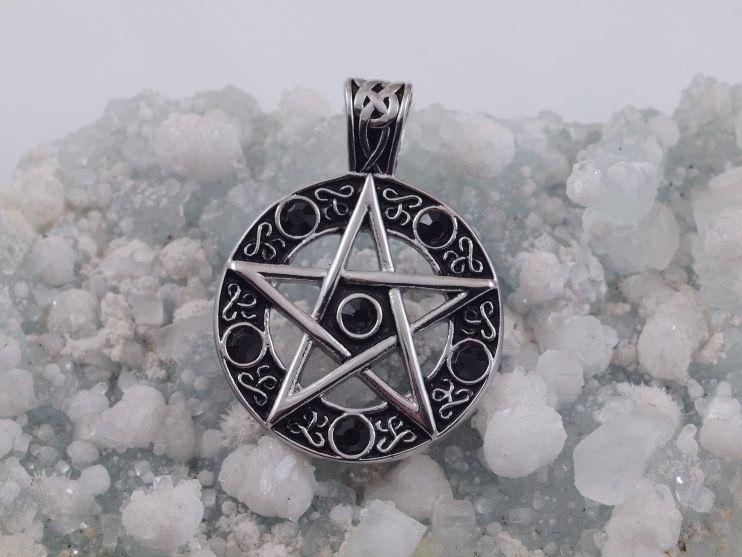 Přívěsek z chirugické oceli Pentagram No. 04