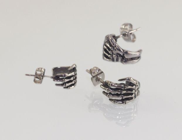 Stříbrná stylová náušnice z chirugické oceli, pařát ruka umrlcova SteelArtDesign316L