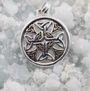 3.Stříbrný přívěsek Keltský kříž