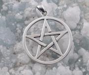 2.Stříbrný přívěsek Pentagram 250213