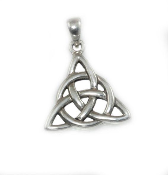 Stříbrný přívěsek Charmed. keltský mystický symbol