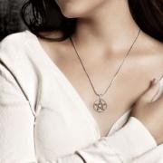 2.Stříbrný přívěsek Pentagram 250518