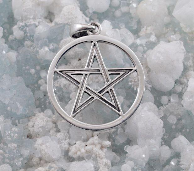 1.Stříbrný přívěsek Pentagram 250518