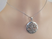 2. Stříbrný přívěsek Strom života
