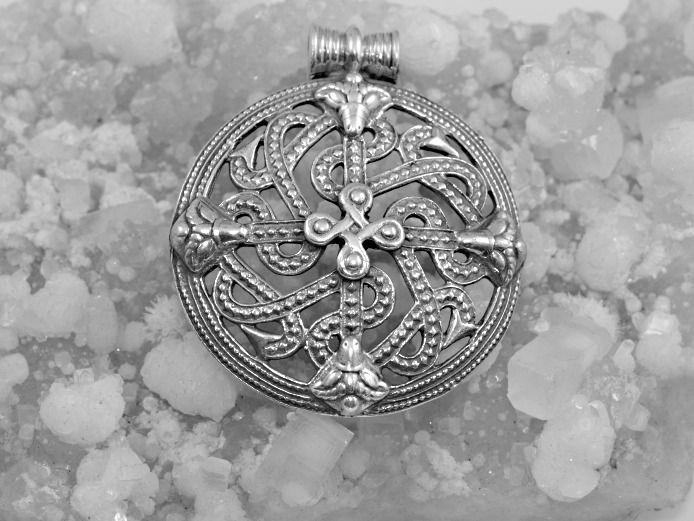Stříbrný přívěsek Štít  Vikinga