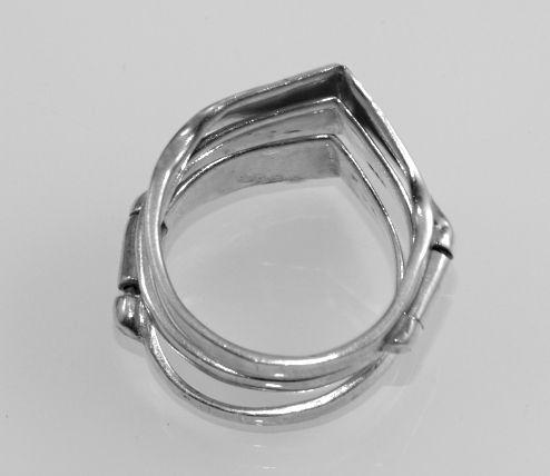 Stříbrný prsten Trio
