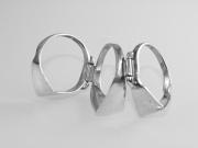 3.Stříbrný prsten Trio