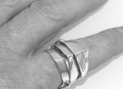 4.Stříbrný prsten Trio