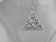 2.stříbrný přívěsek Charmed