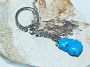 2.Klíčenka modrým Howlitem.