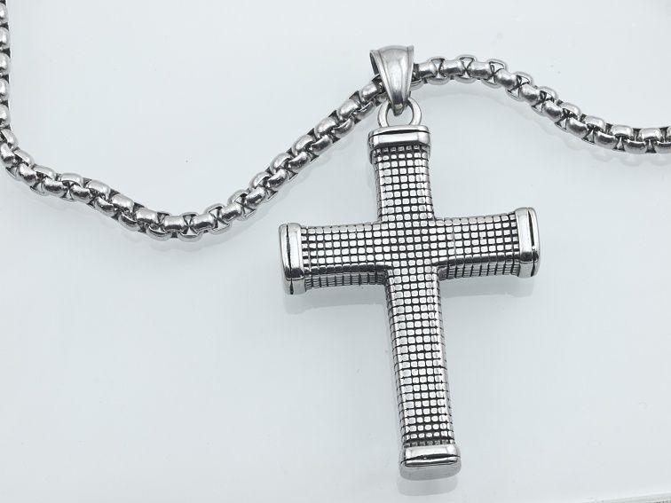 1. Přívěsek z chirugické oceli Kříž Lagardo