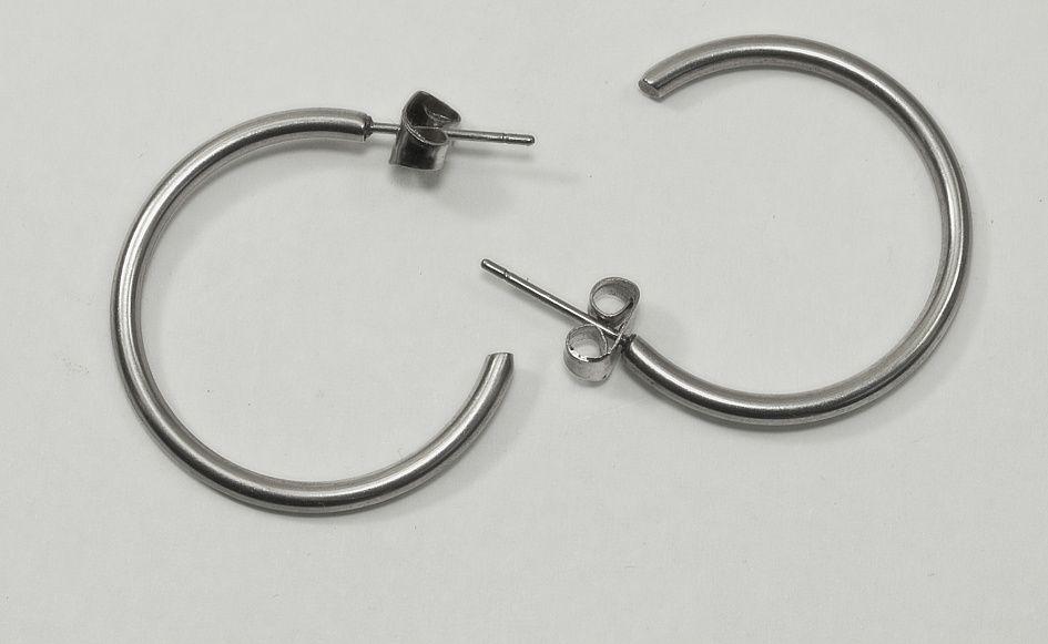 1. Náušnice, chirurgická ocel Kruhy nr. 07