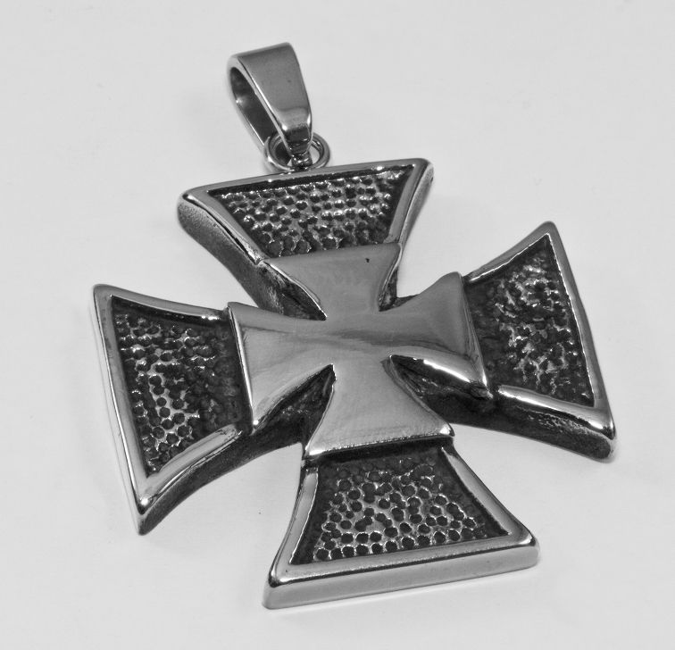 Přívěsek chirurgická ocel Válečný kříž nr.02