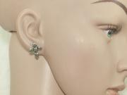 2.Náušnice z chirurgické oceli Lebkový kříž