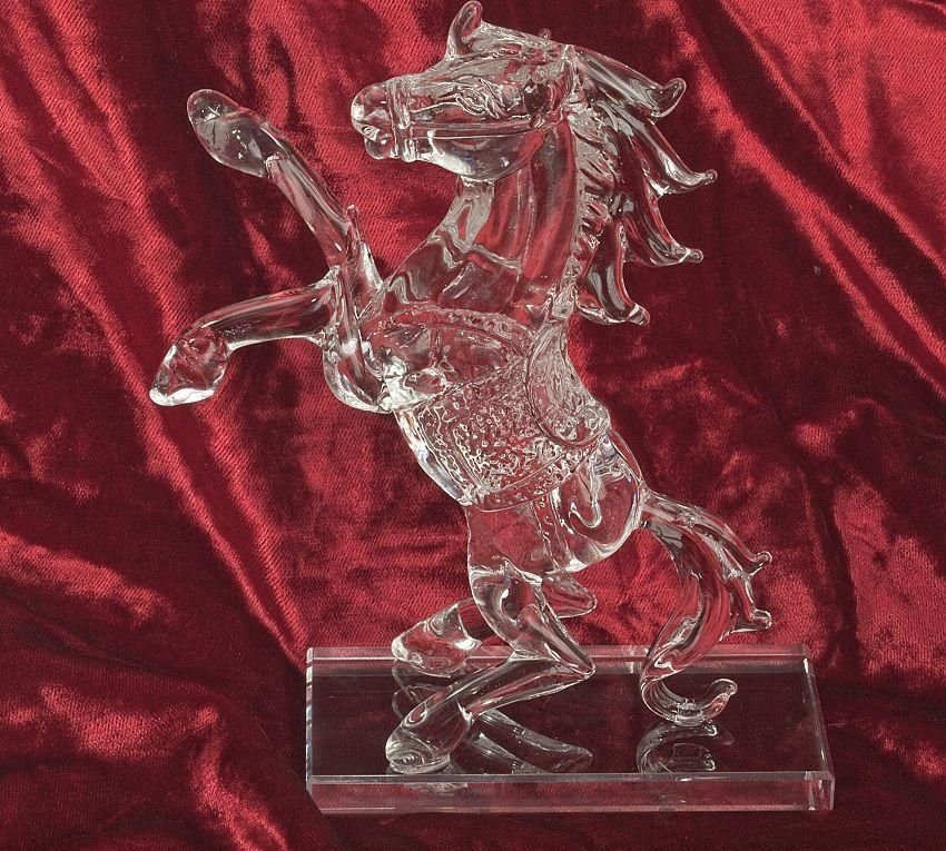 Skleněná dekorace Kůň ve skoku