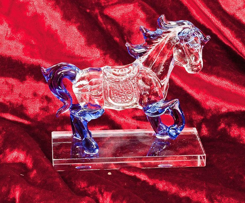 1., Skleněná dekorace, figurka koně v modré barvě