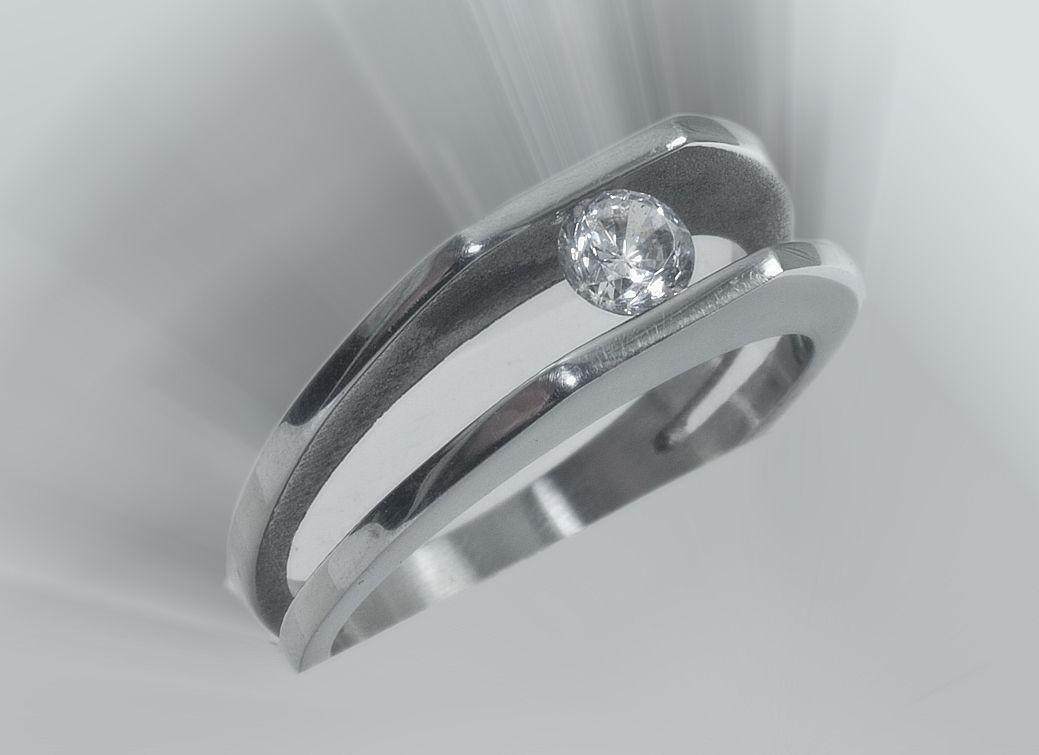 1.Dámský prsten, chirurgická ocel, model Amazonie