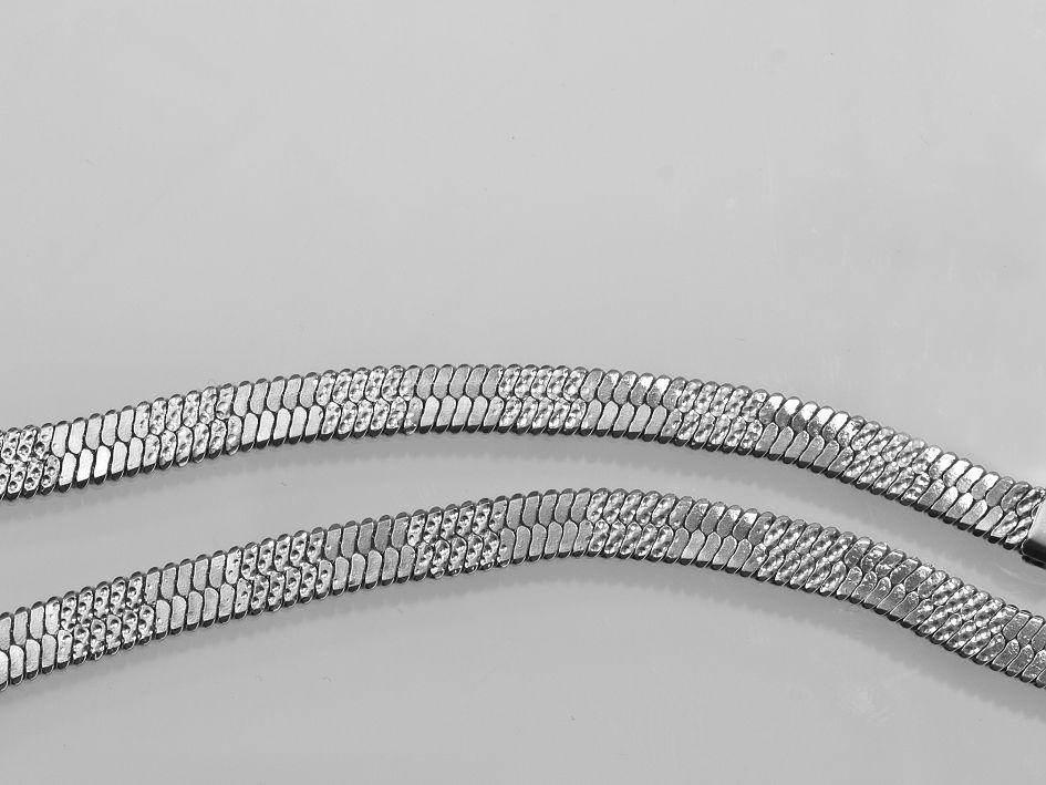 1. Náhrdelník z chirurgické oceli Evellina