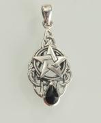 2.Stříbrný přívěsek Pentagram s Onyxem