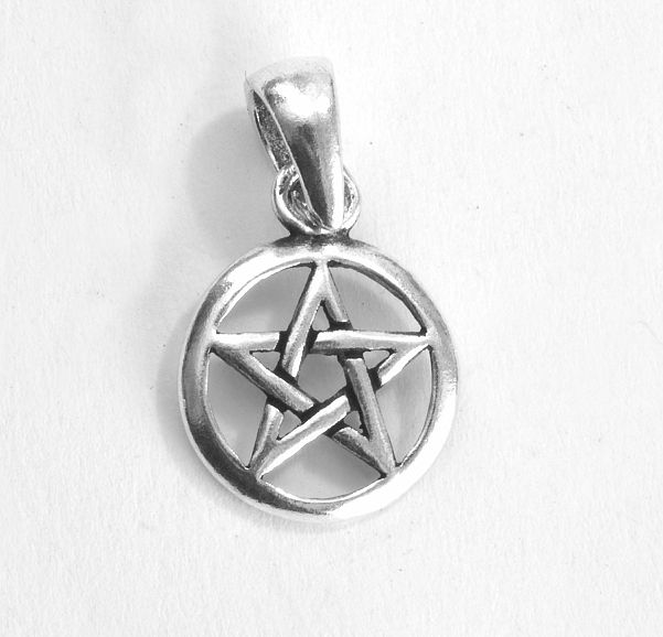 Stříbrný přívěsek Pentagram nr. 034