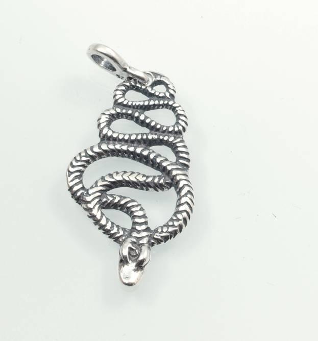Stříbrný přívěsek Had