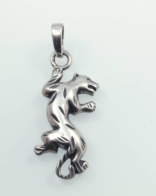 stříbrný přívěsek Puma