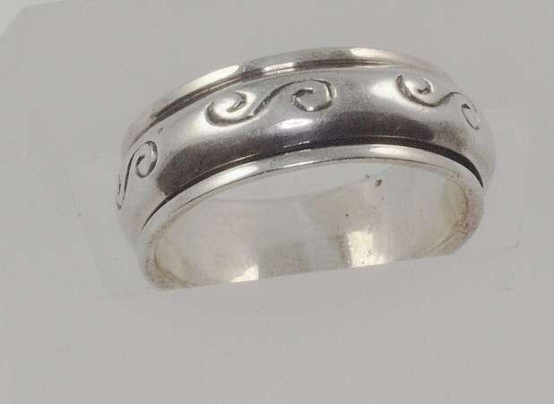 stříbrný prsten Nekonečno