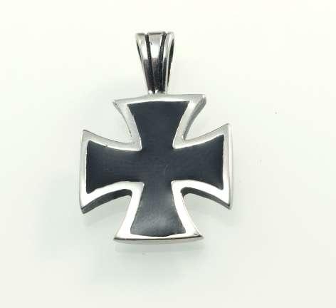 ocelový přívěsek Maltezský kříž 03
