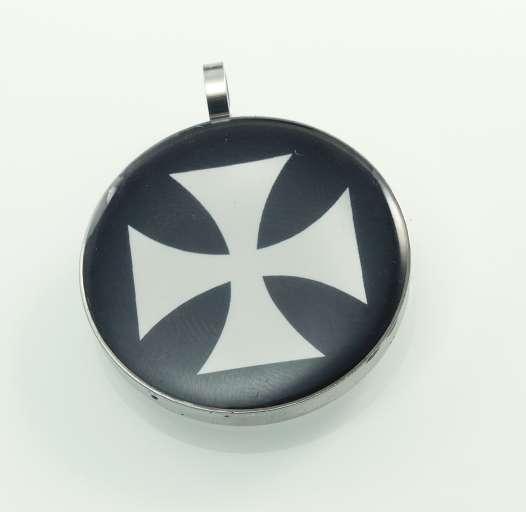ocelový přívěsek Znak kříže