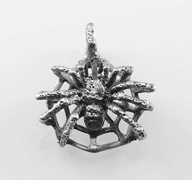 stříbrný přívěsek Pavouk