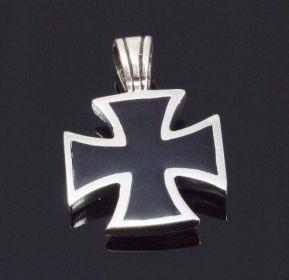 Přívěsek Maltézský kříž M9