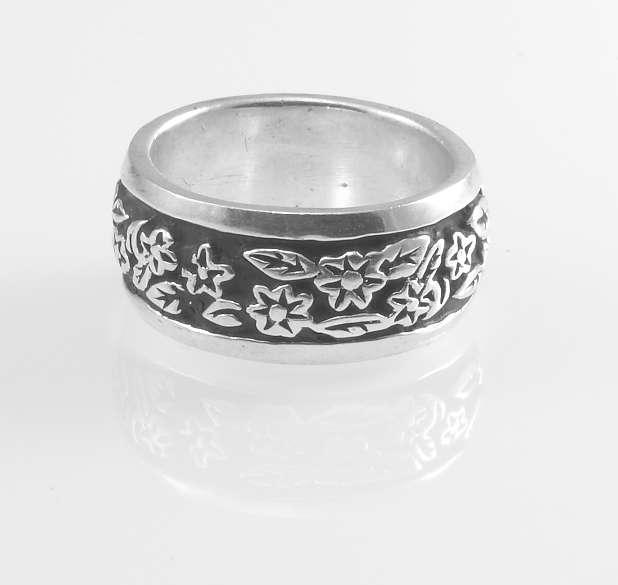 Stříbrný prsten Sailer