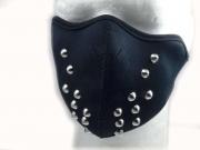 Čelní pohled na masku No6
