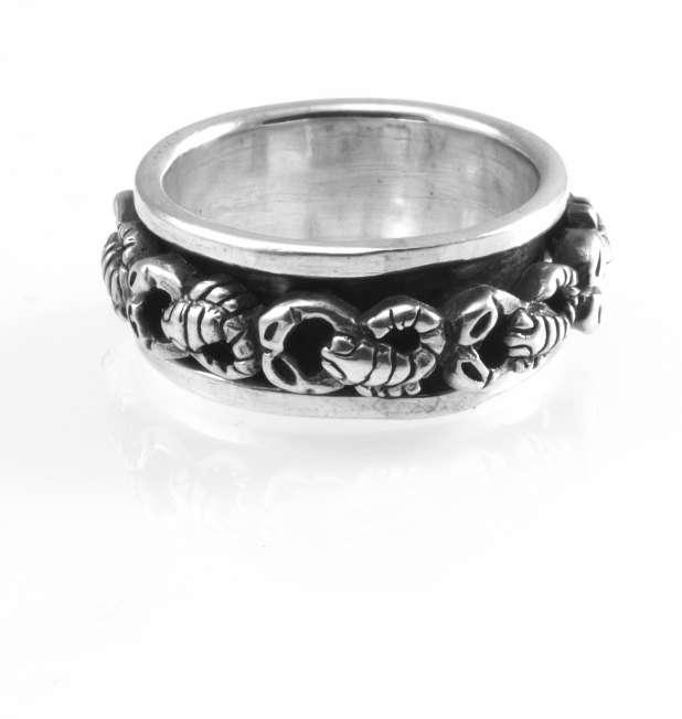 Stříbrný prsten Škorpioni
