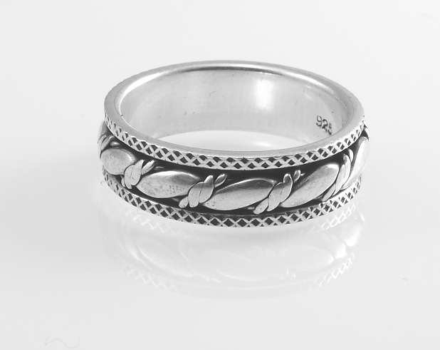 Stříbrný prsten Darchne
