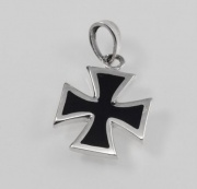 Stříbrný přívěsek - MALTÉZSKÝ KŘÍŽ M2