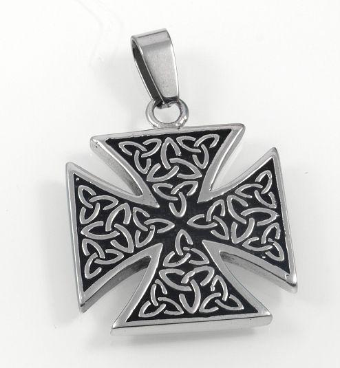 Ocelový přívěsek Maltézský kříž.