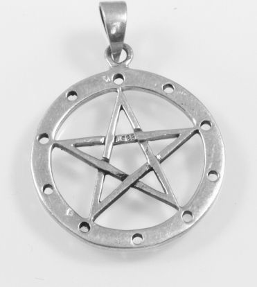 Stříbrný přívěsek Pentagram.